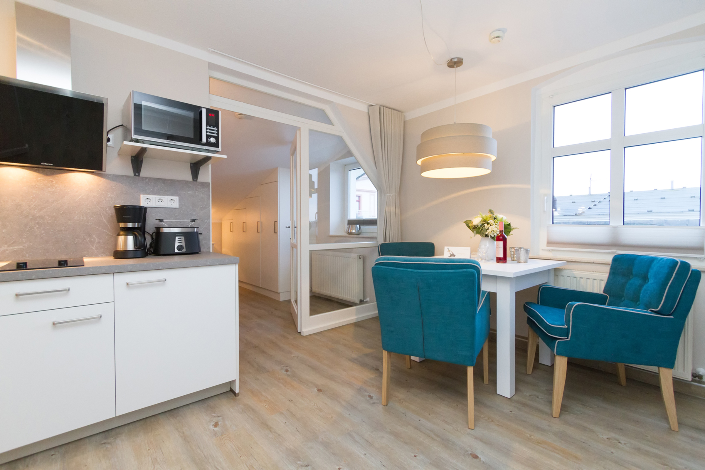 ferienwohnung in ahlbeck seebad villa albertine usedomtravel. Black Bedroom Furniture Sets. Home Design Ideas