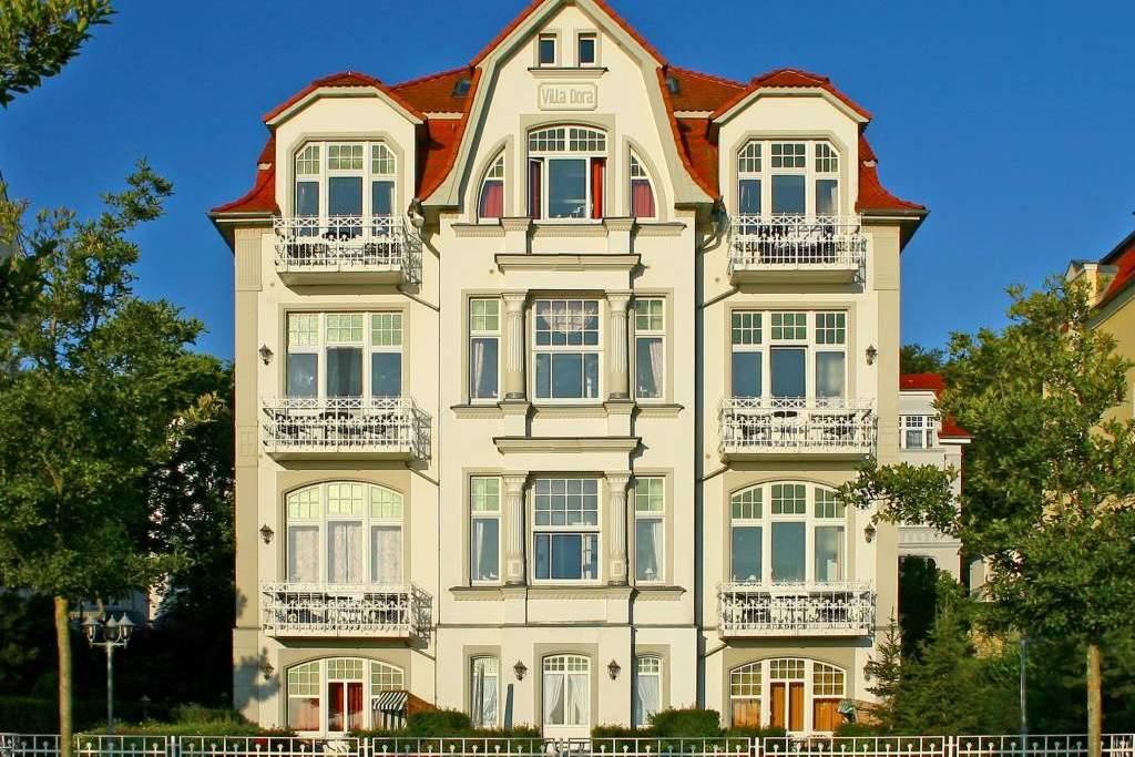 villa dora ferienwohnung in bansin seebad mit. Black Bedroom Furniture Sets. Home Design Ideas