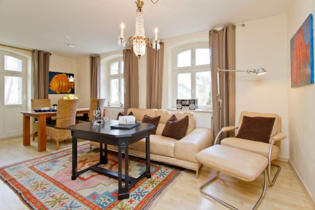 haus auf dem h gel die klassische 01 ferienwohnung in heringsdorf seebad usedomtravel. Black Bedroom Furniture Sets. Home Design Ideas