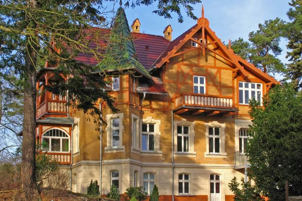 haus auf dem h gel die klassische 06 ferienwohnung in heringsdorf seebad usedomtravel. Black Bedroom Furniture Sets. Home Design Ideas